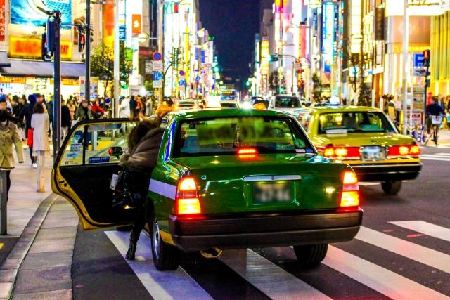 タクシーでの尾行調査
