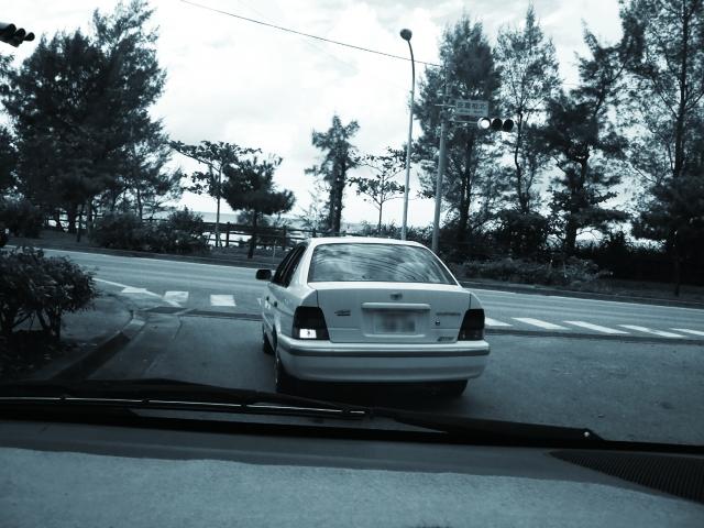車両での尾行調査